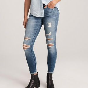 Low rise ripped skinny jeans, size 24/00 SHORT